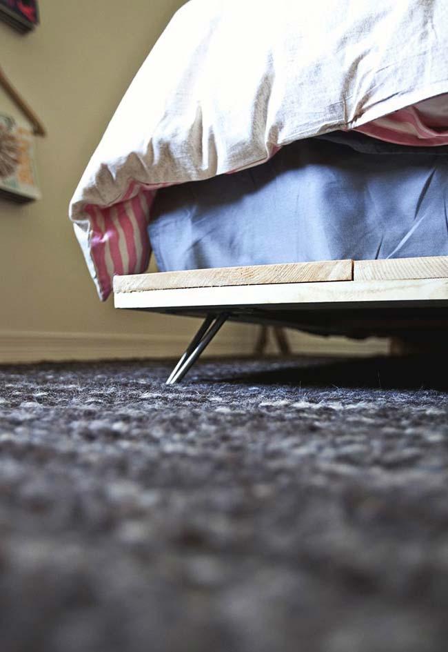 Pequeno pé para elevar a cama