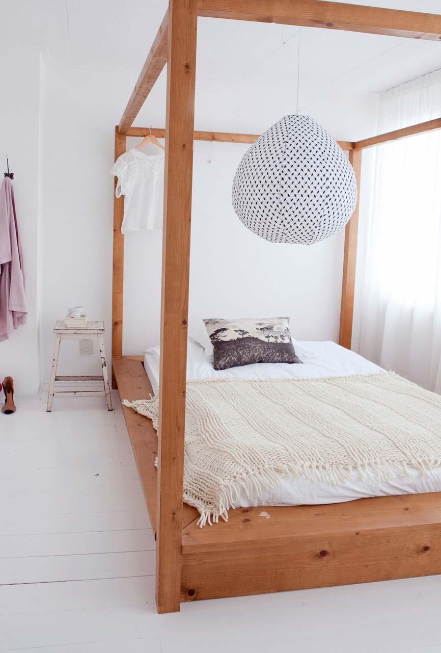 Cama japonesa de madeira
