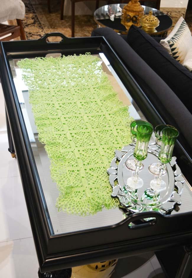 Caminho de mesa na decoração da sala