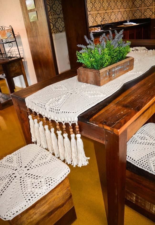 caminho de mesa de crochê com direito à franja de Tassel