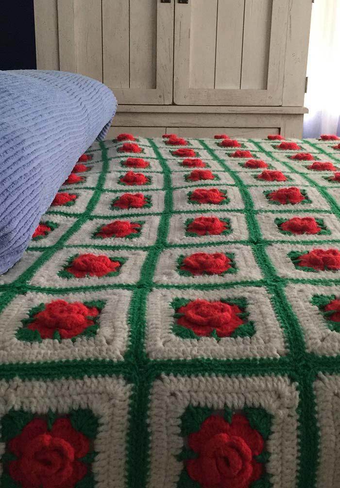 Colcha de crochê em lã