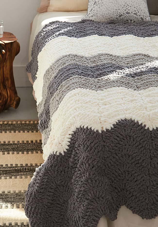Colcha de crochê com padrão zigue-zague