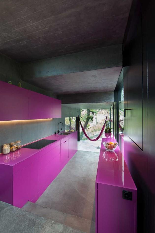 Cozinha rosa, preto e cinza
