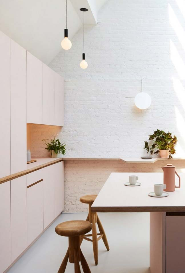 Outra cozinha em tom rosa clarinho