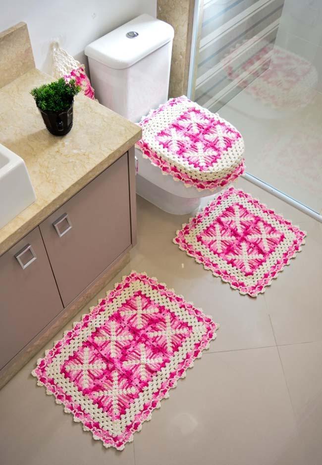 Conjunto de banheiro de crochê em 3 peças rosa