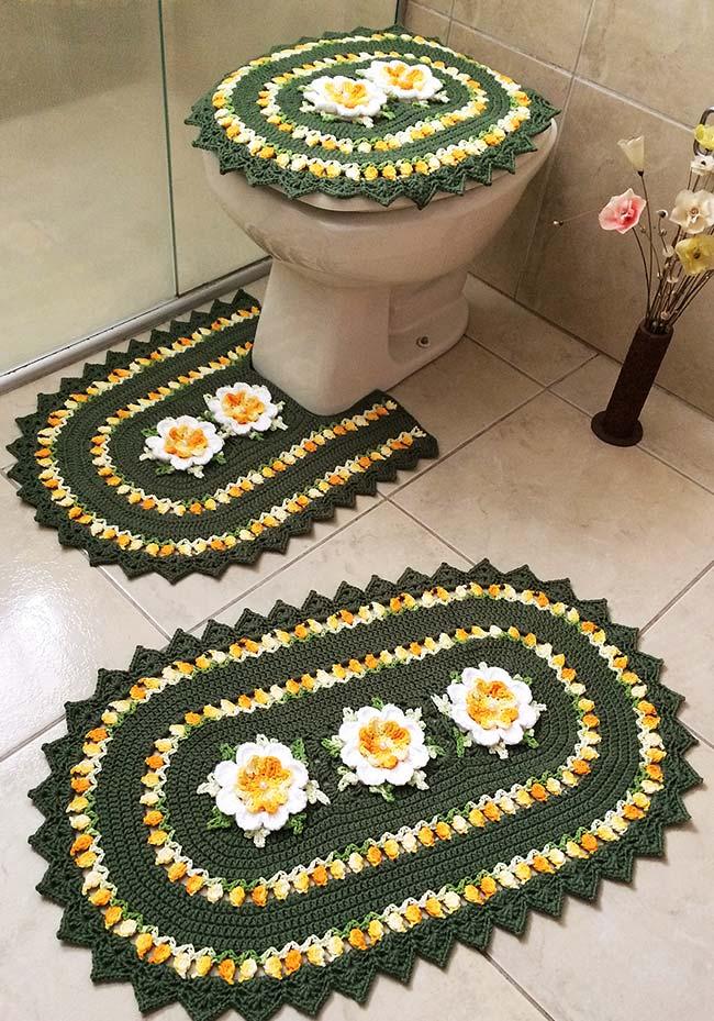 Jogo de banheiro de crochê com flores amarelas