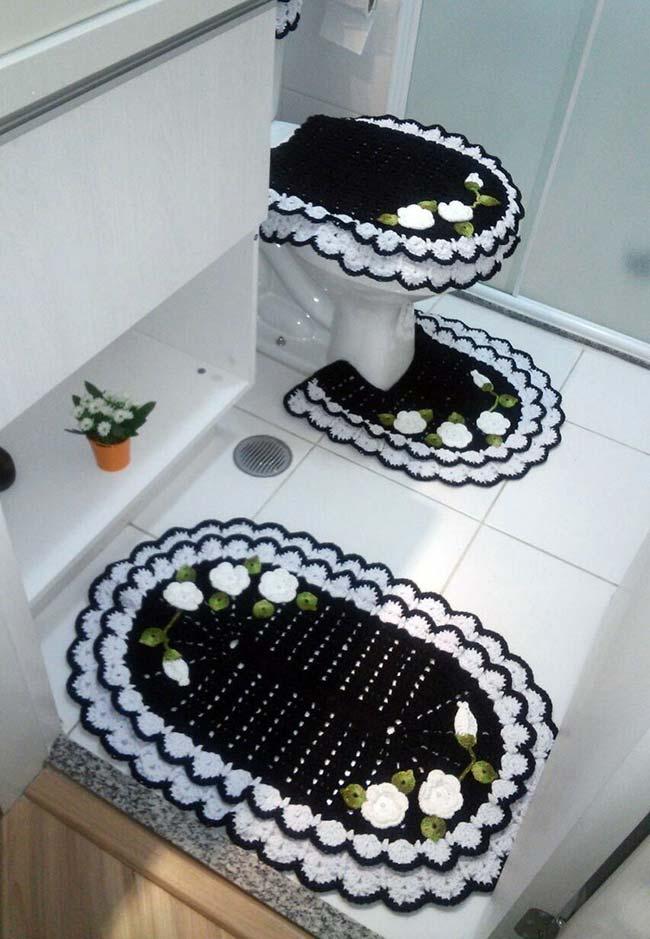 Jogo de banheiro em crochê preto e branco