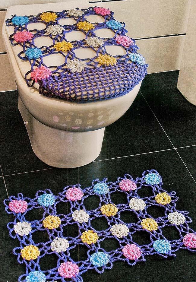 Jogo de banheiro em crochê mais aberto e com flores