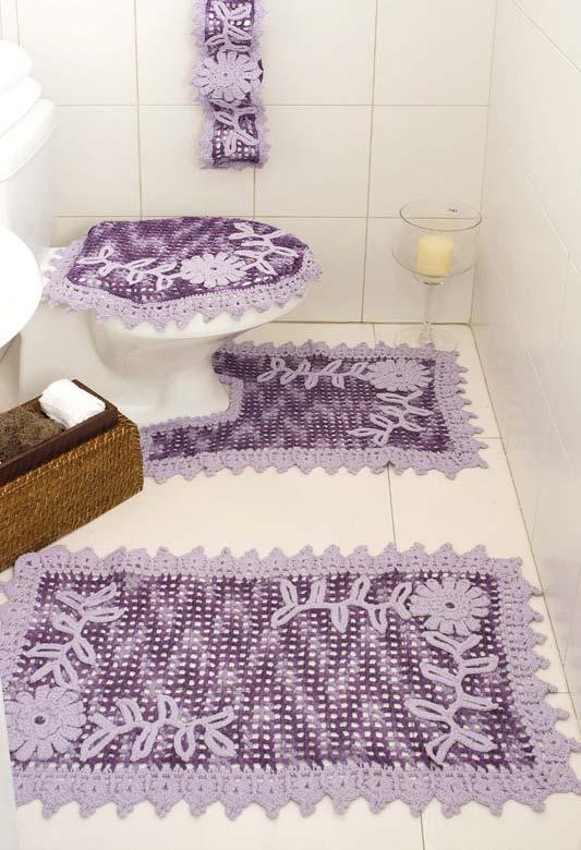 Jogo completo de banheiro de crochê em roxo e lilás