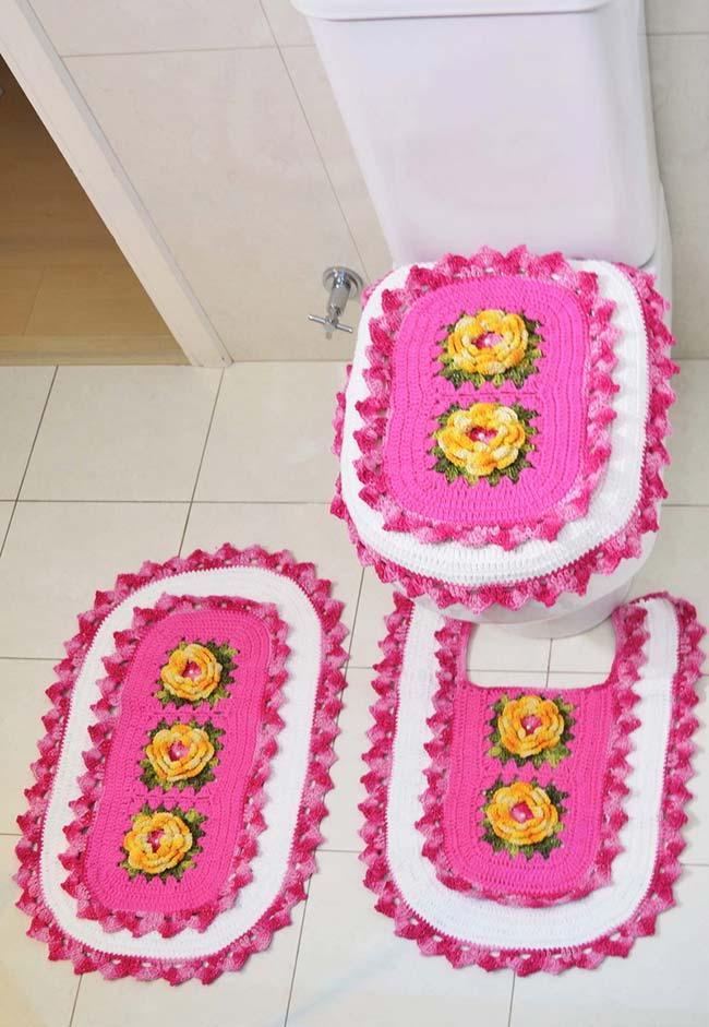 Jogo de banheiro de crochê com flores tridimensionais