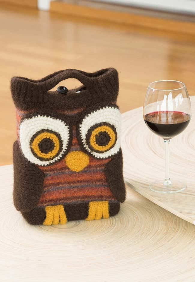 Bolsinha para vinho coruja de crochê