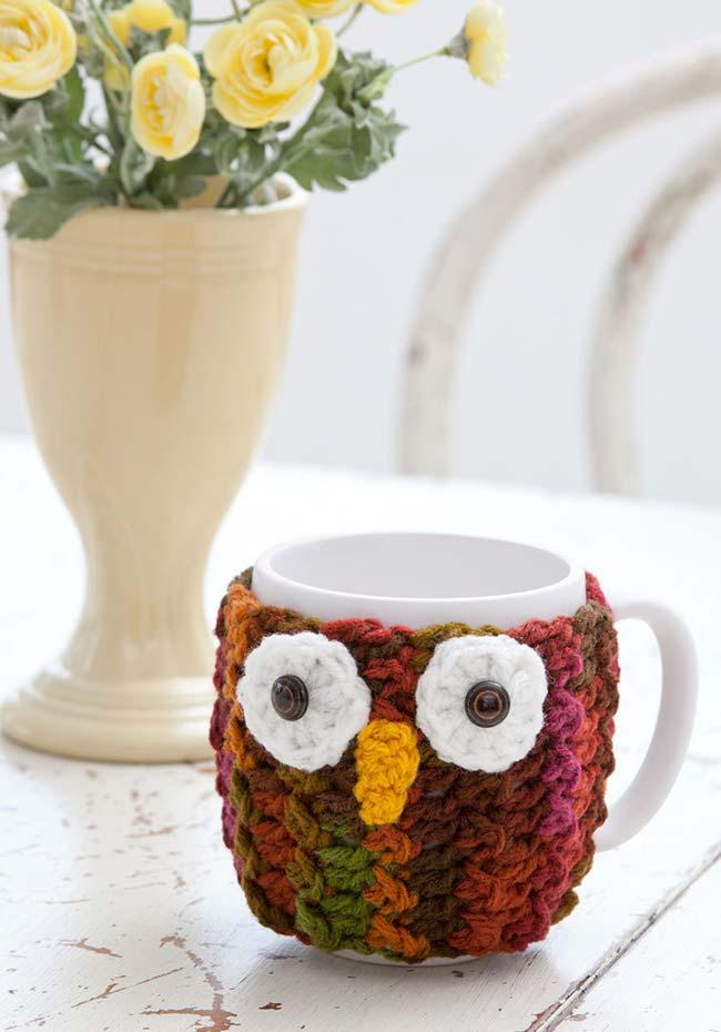 As corujas de crochê também dão proteção para suas mãos dos chás e cafés quentinhos durante o inverno