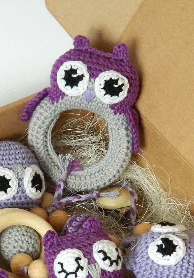 Vai utilizar argolas? Que tal decorá-las com trabalhos em crochê inspirados nas corujinhas?