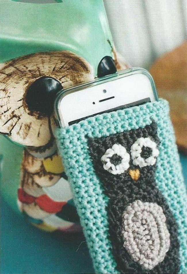 Capinha protetor para celular de crochê