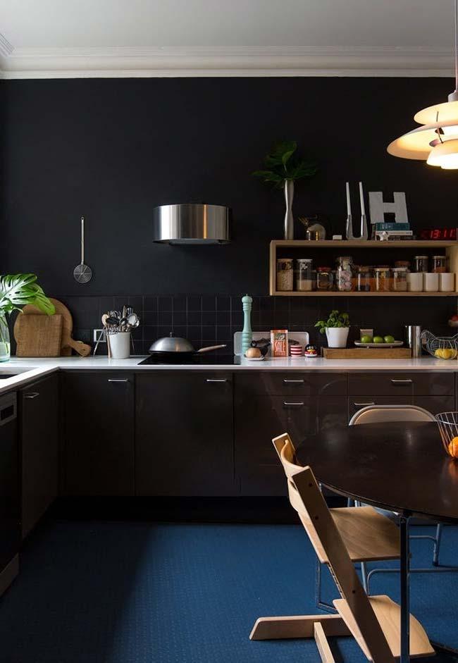 Fundo neutro na cozinha