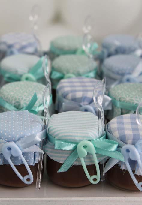 Papinhas para todos os bebês: lembrancinha de chá de bebê em potinhos de papinhas para presentear os convidados com docinhos caseiros