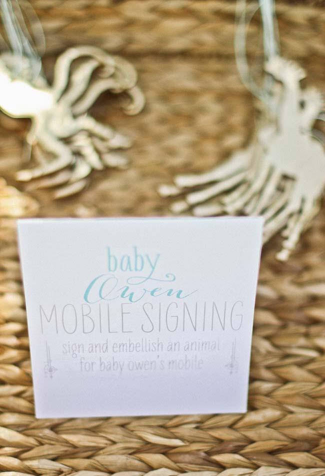 Pingentes para celular na temática náutica da festa como lembrancinhas para o seu chá de bebê