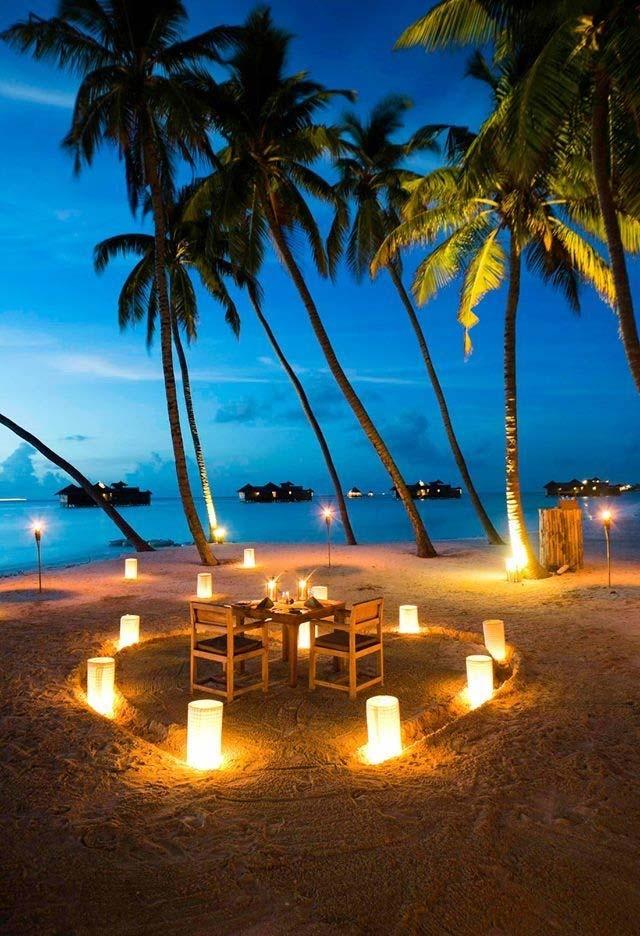 Outra ideia de jantar romântico na praia