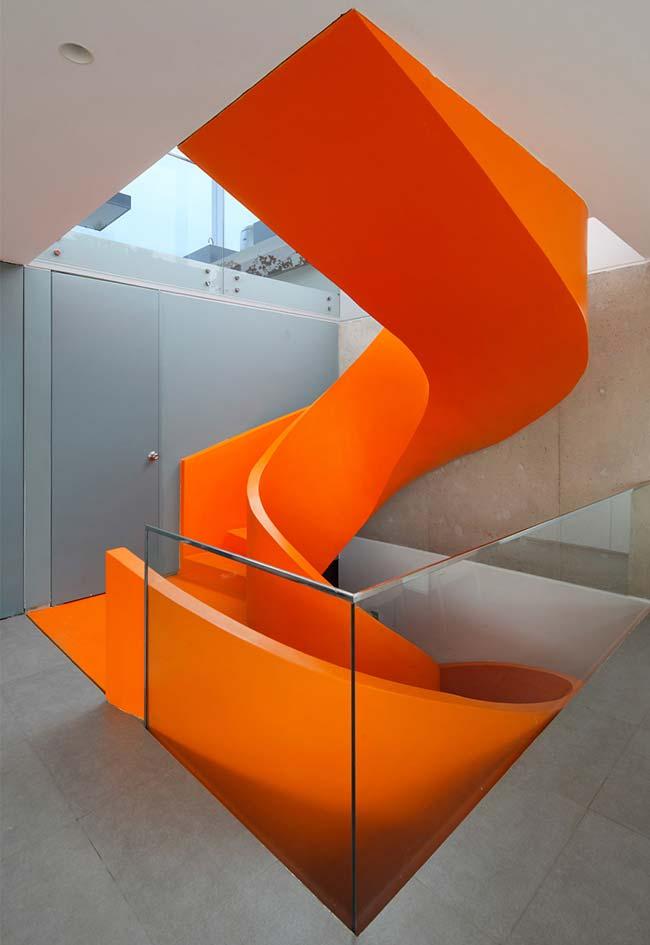 Escada caracol: projeto inteiriço no estilo tobogã para vários pavimentos