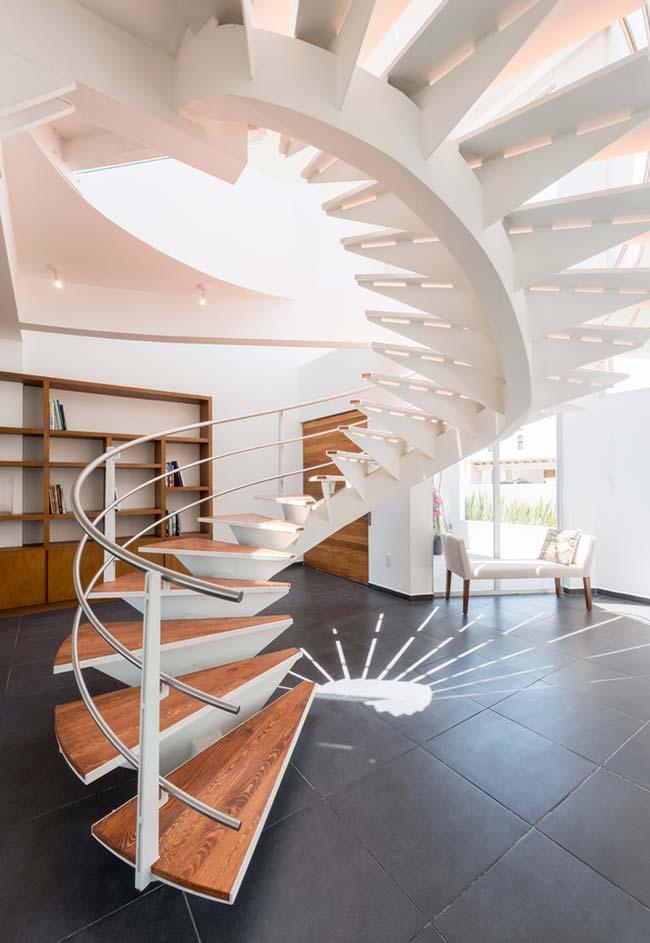 Brinque com o projeto da sua escada caracol
