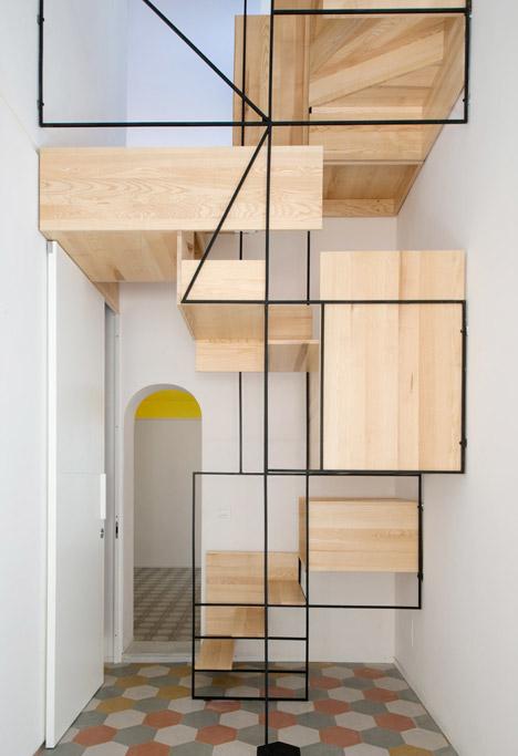 Estrutura em ferro e madeira