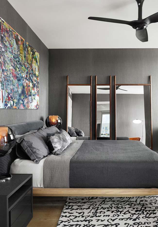 Tríptico de espelhos para quarto grandes: estes já vem com moldura que facilita o posicionamento entre a parede e o chão