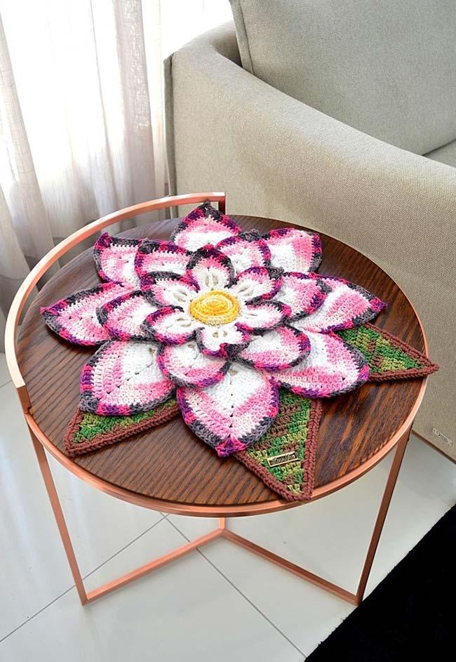 Centro de mesa flor de lótus de crochê