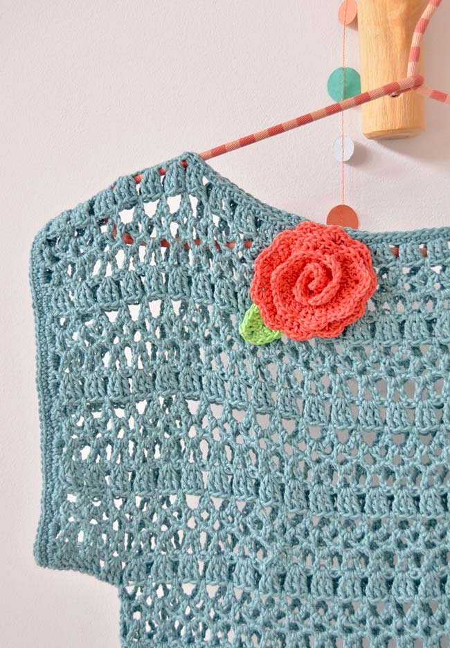 Flor de crochê para aplicar em roupas