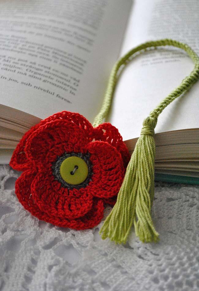 Marca página floral de crochê