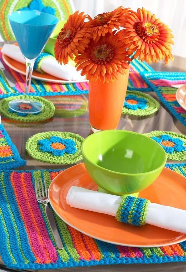 Conjunto completo para a mesa com jogo americano de crochê