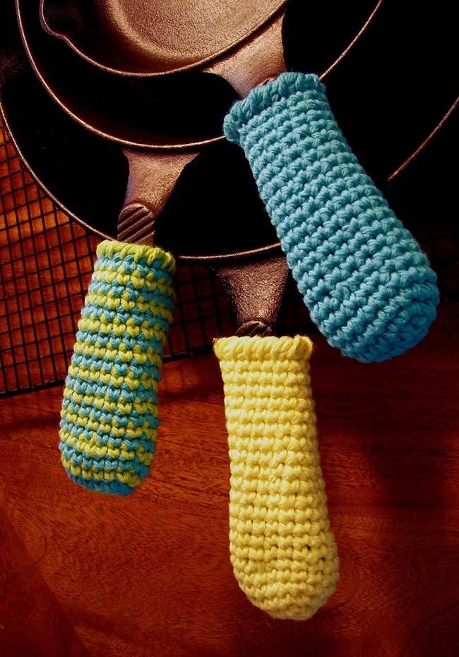 Proteção em crochê também para os cabos das suas panelas de ferro