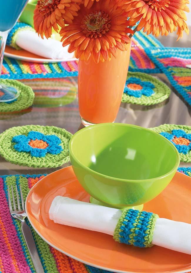 Jogo de cozinha de crochê para uma mesa toda inspirada nas cores do verão