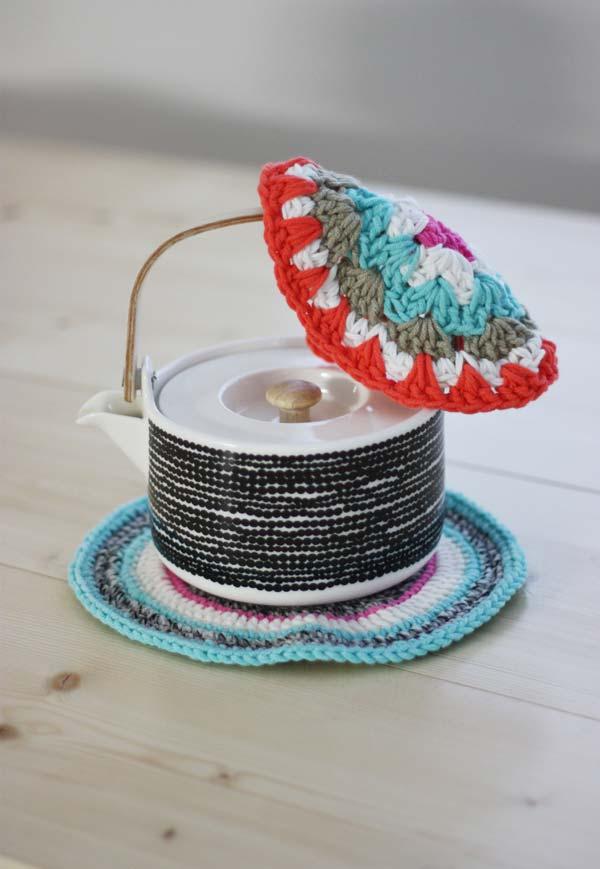 Os disquinhos de crochê podem ganhar várias cores, desenhos e ainda são super versáteis