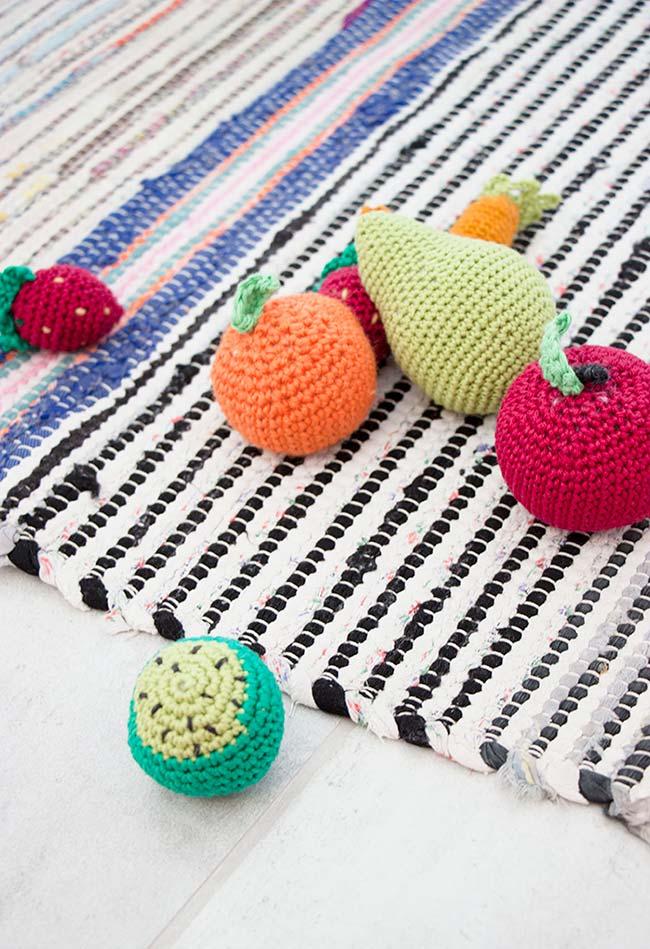 Frutinhas super coloridas de crochê no estilo amigurumi para decorar sua cozinha