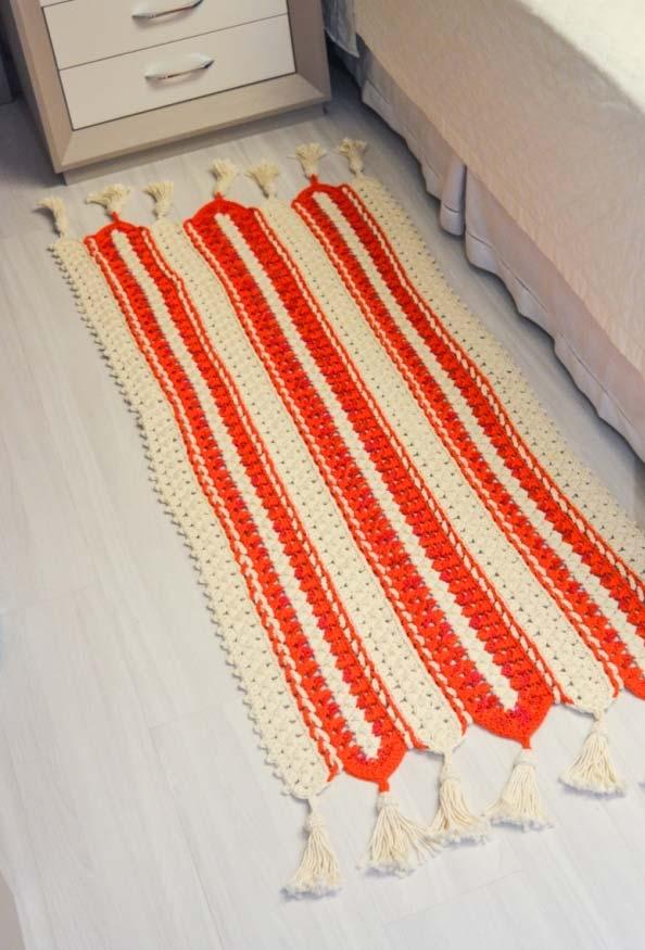 Passadeira de crochê com finalização em tassel