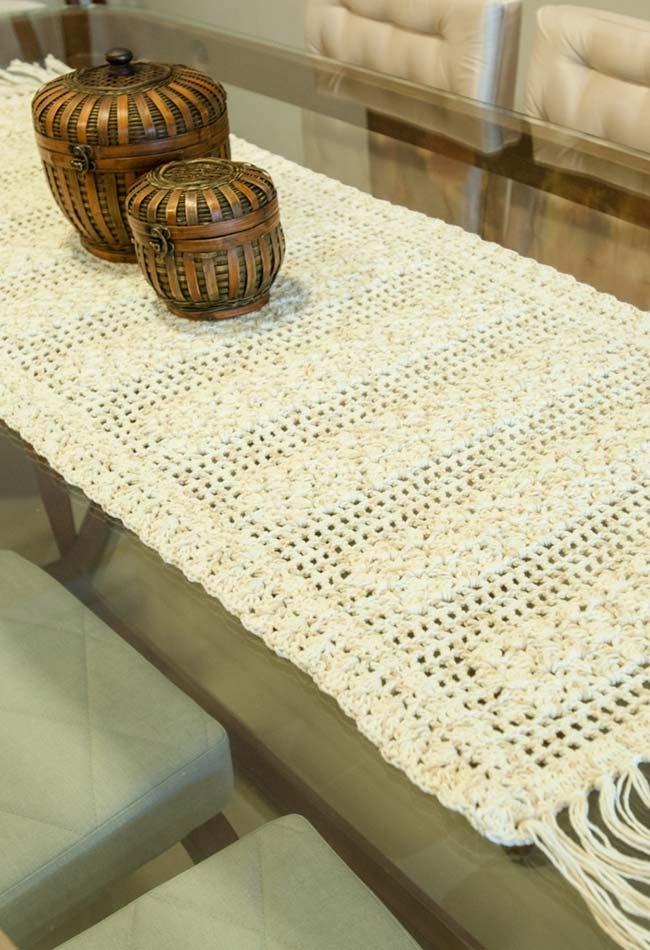 Caminho de mesa de crochê no estilo passadeira