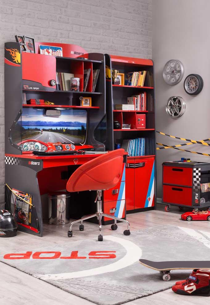 Continuação do quarto de menino com tema carros