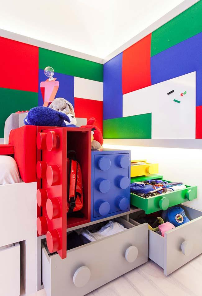 Continuação do quarto de menino com tema Lego