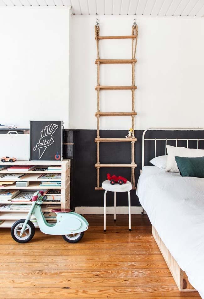 Neste estilo contemporâneo e mais descontraído, um quarto de menino cheio de criatividade e simplicidade