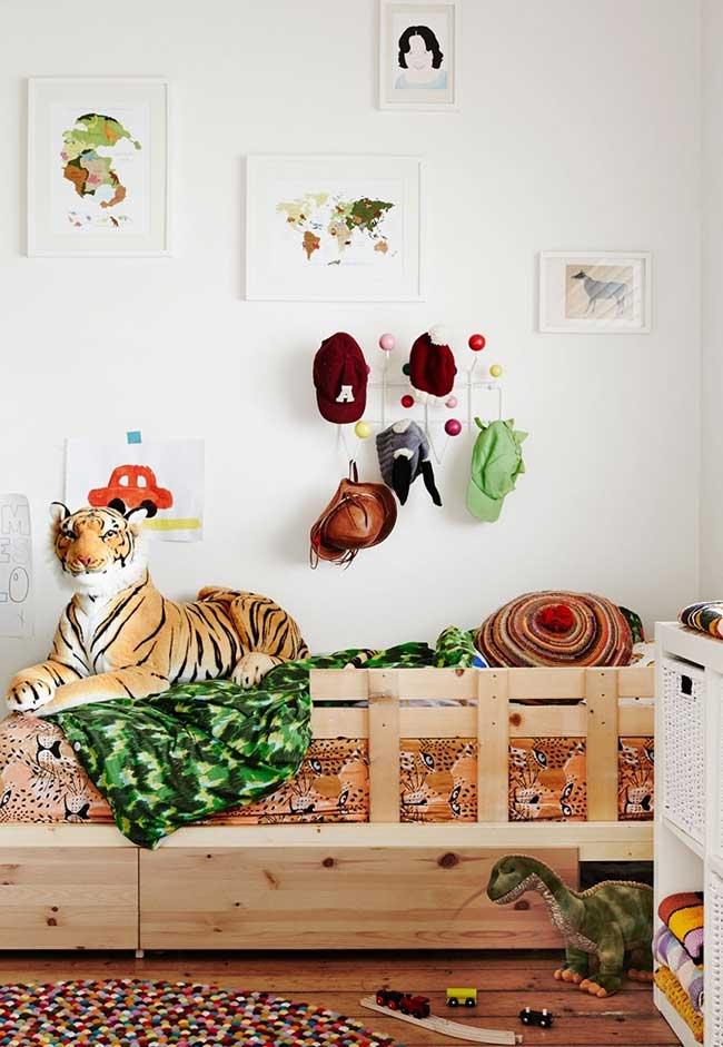 Decoração de quarto de menino inspirado no clima e nos animais presentes nos safaris