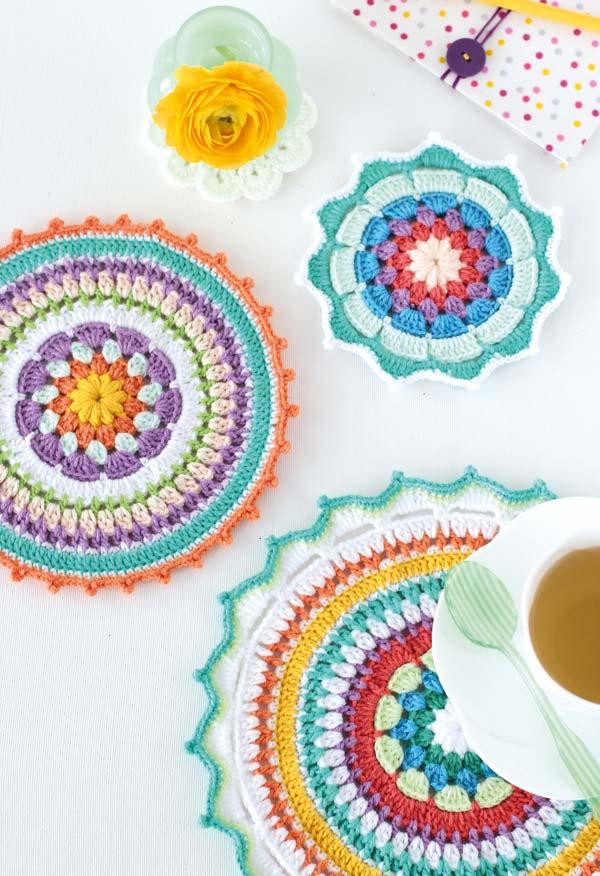 Outra ideia de sousplat inspirada nas mandalas multicoloridas