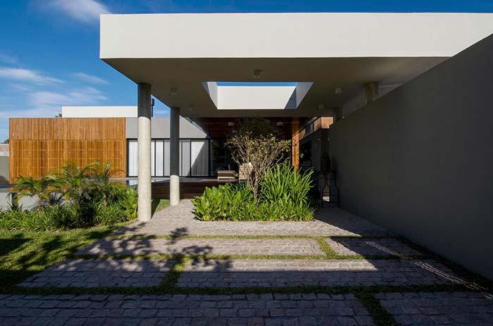 Vãos no telhado são características marcantes das construções modernas