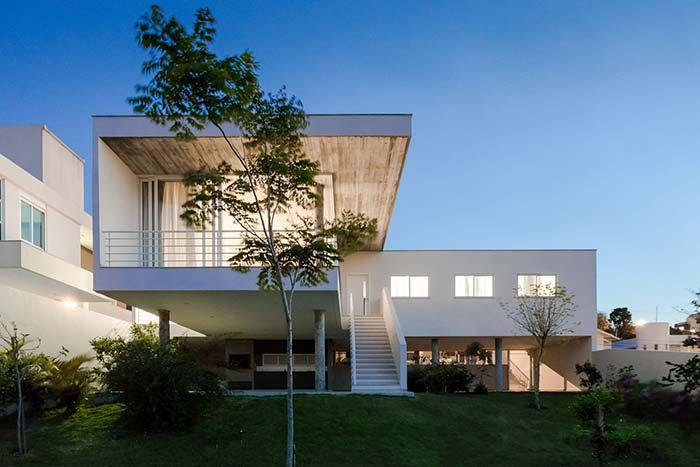 Telhado embutido é o maior aliado da construção moderna