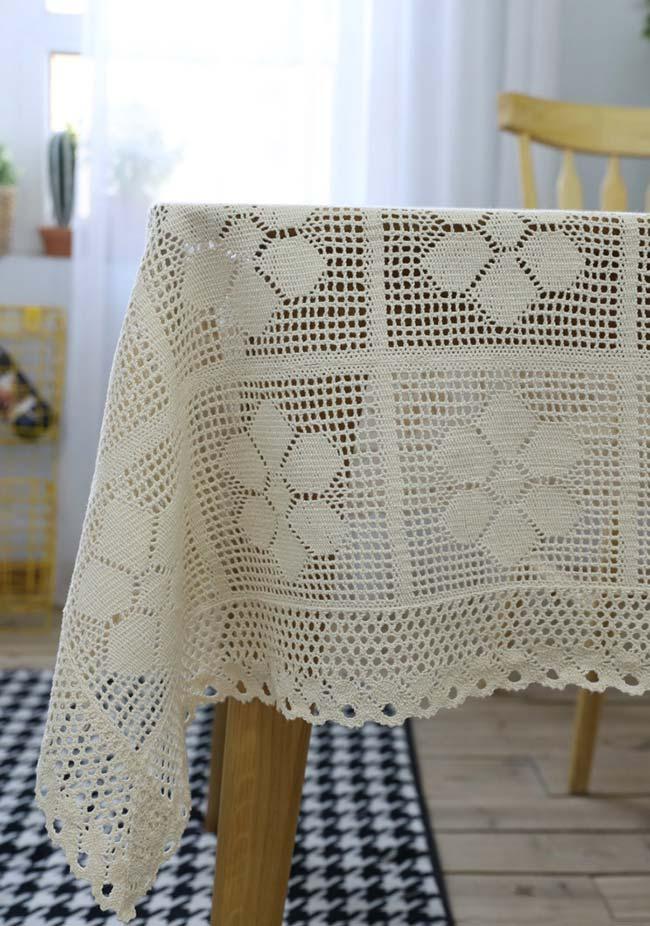 Toalha de mesa de crochê com flores