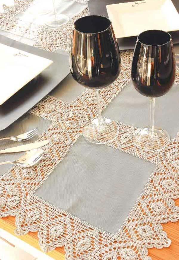 Toalha de mesa de crochê com padrão simples