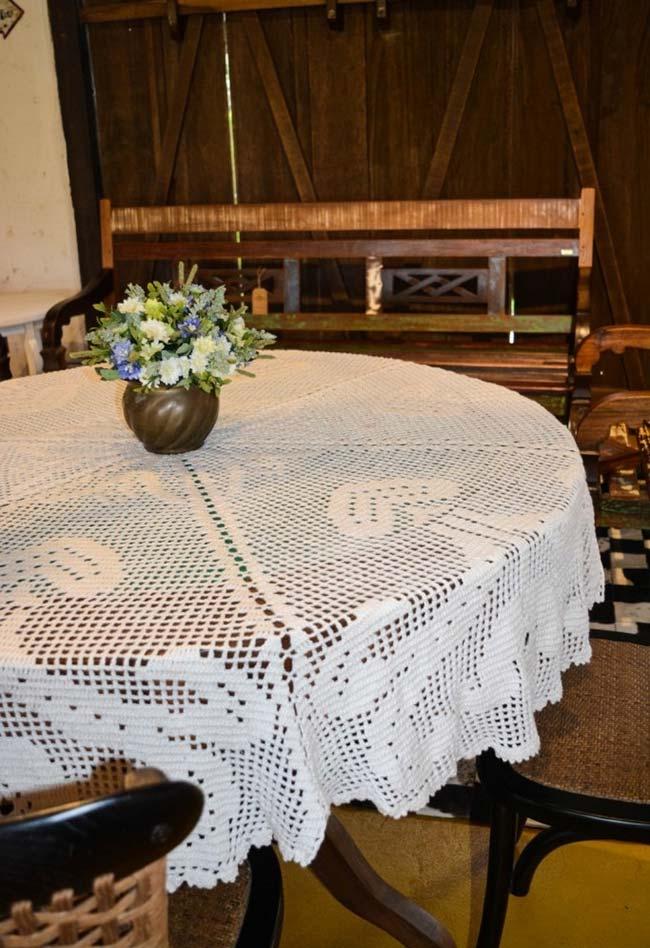 Toalha de mesa de crochê redonda básica com um núcleo central