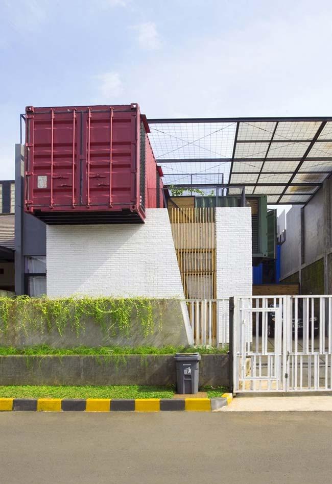 Casa container em um estilo simples e clean