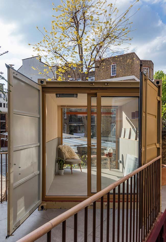 Modelo de casa container na cidade