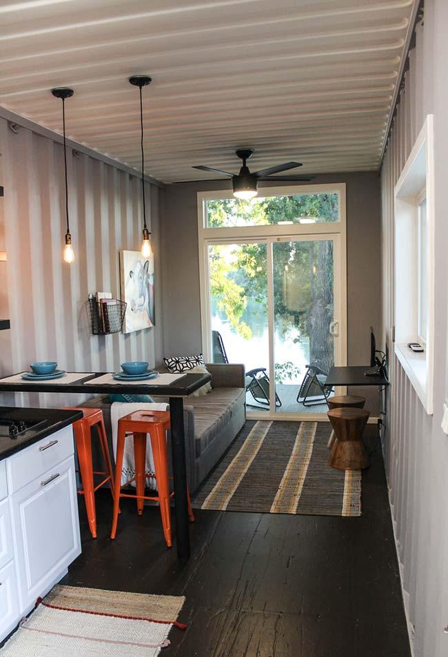 Mais uma ideia de casa container com espaço pequeno e funcional