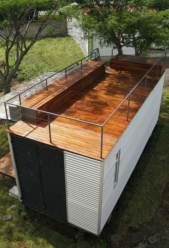 Área superior da casa container